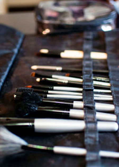 image of make-up brushes